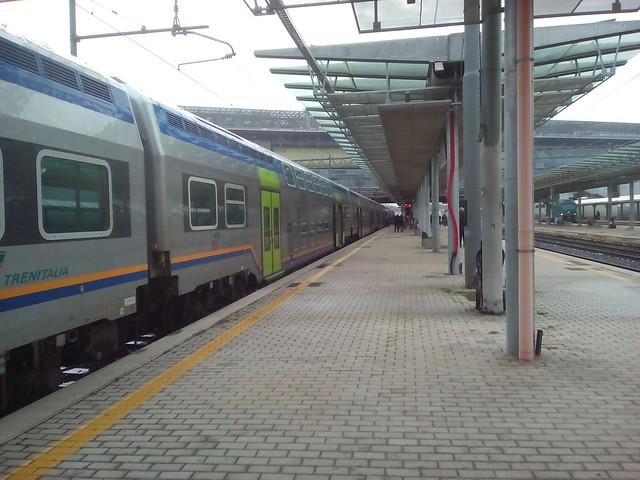 treno vivalto fL4 a roma-tiburtina binario 5 per viterbo porta romana