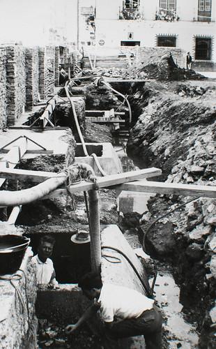 Buscando cimientos firmes [2] - Piedra, escollera y agua, mucha agua. La calle no se hunde gracias a los pozos indios.