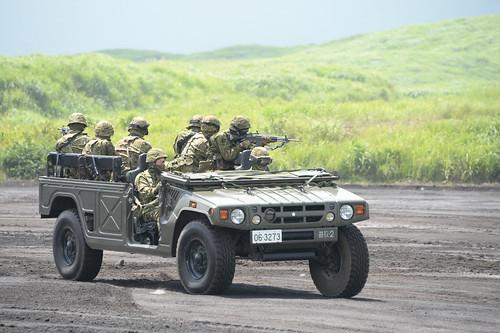 陸上自衛隊:車両
