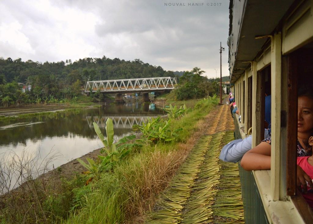 Indahnya Pemandangan Ketika Menaiki Kereta Wisata Ambarawa