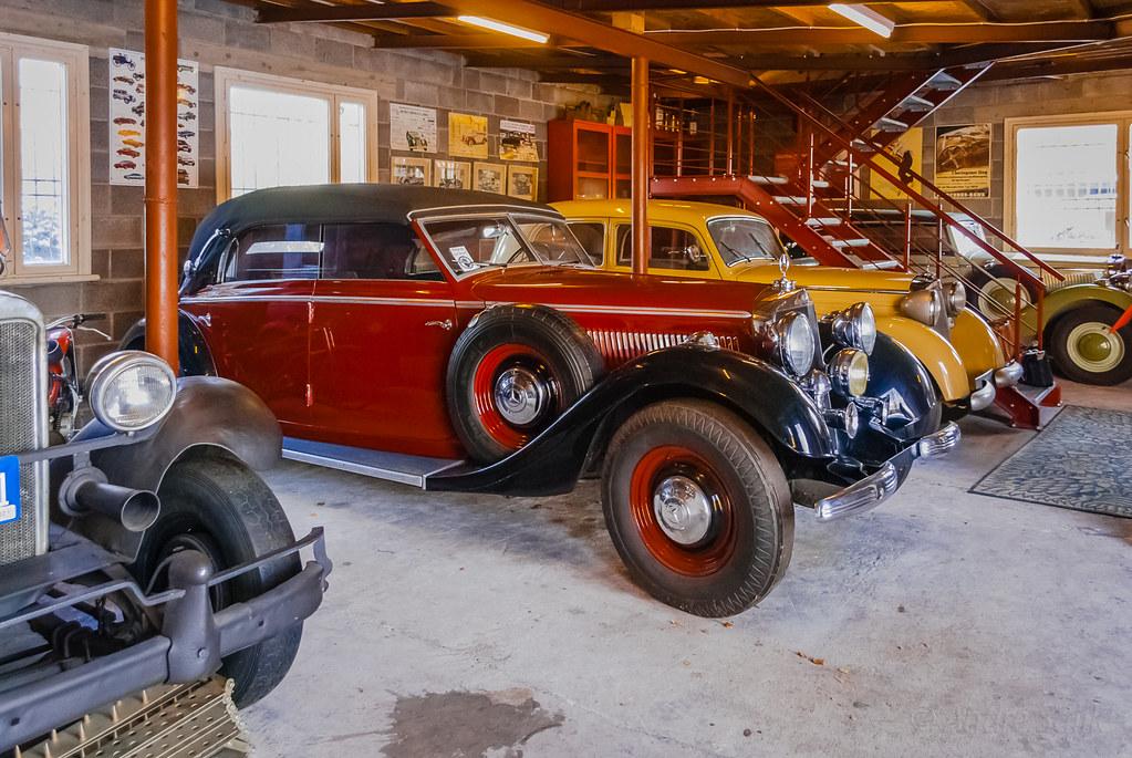 Beautiful  antique cars! 15:30:14 DSC_5384