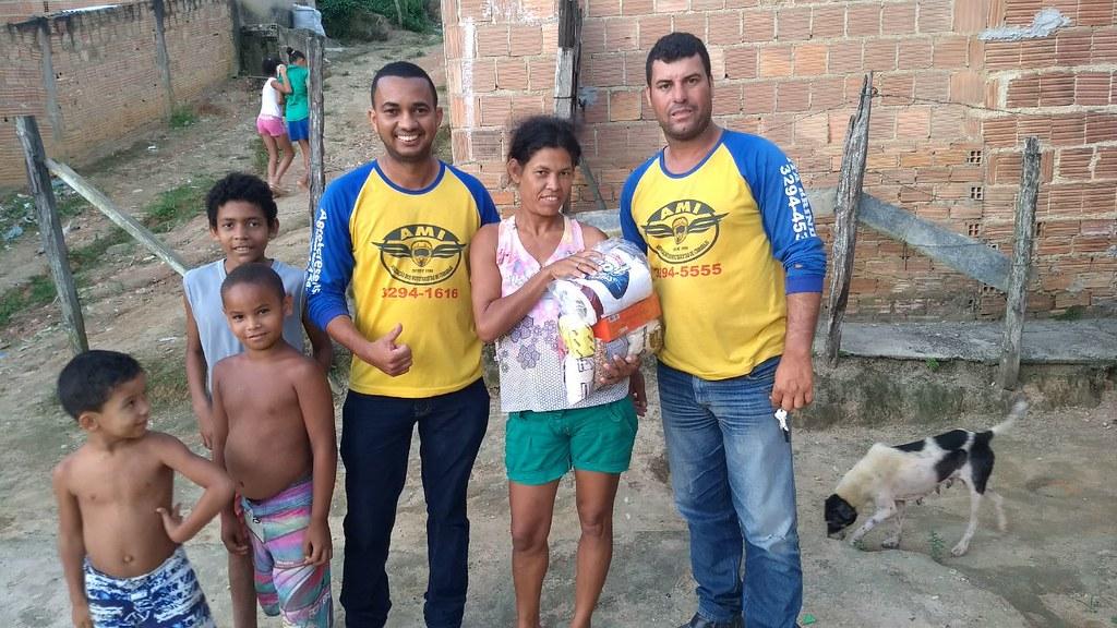 campanha de doação de alimentos dos motaxistas de itamaraju (2)