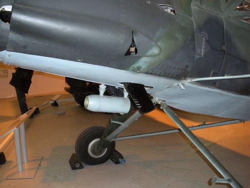 Fieseler Fi-156-C7 Storch 14