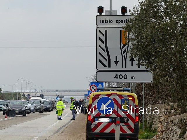 incidente stradale statale 100. quattro morti