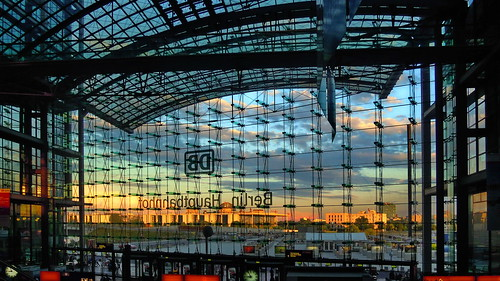 world travel reise viajes europa europe deutschland germany alemania berlin architecture architektur arquitectura sunset sonnenuntergang puestadesol bahnhof station railwaystation estación edificio gebäude building interior nikon