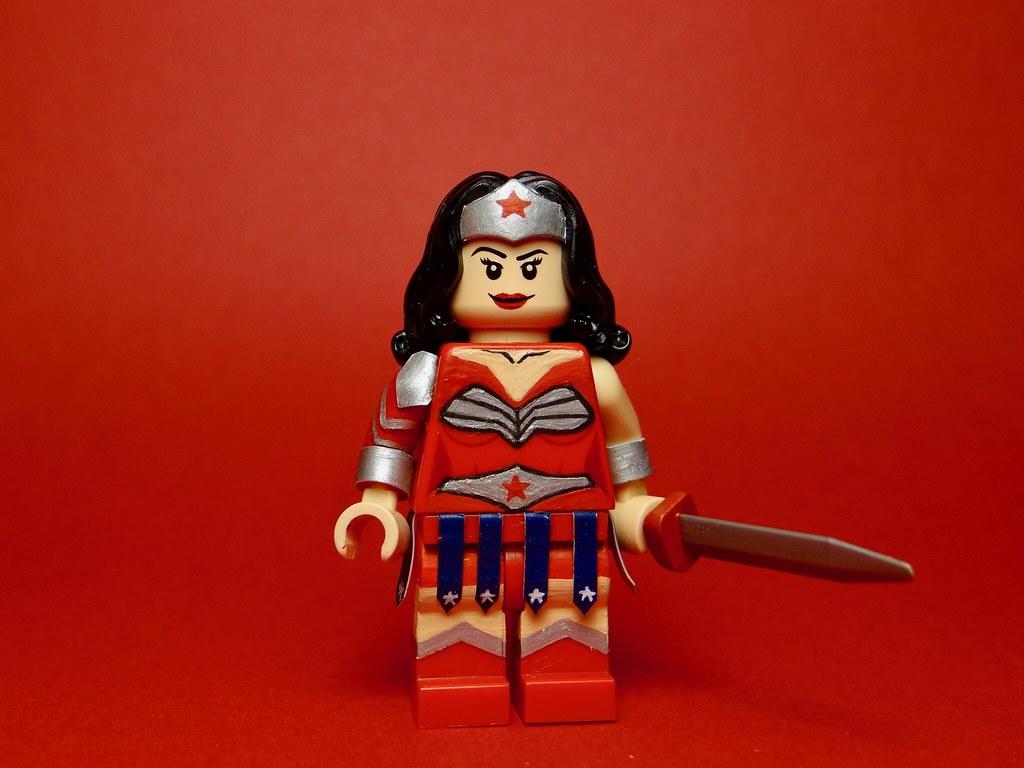Lego Smallville - Wonder Woman | Hey guys! I'm not dead! So