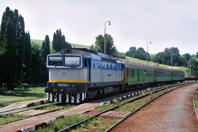 ŽSSK 750 058-0 op station Kapušany pri Prešove op 3-8-2005 (SCAN)