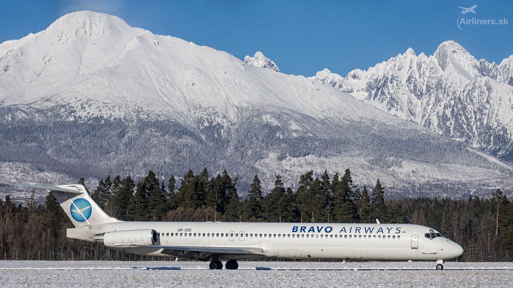 UR-COC Bravo Airways McDonnell Douglas MD-83