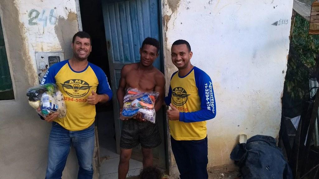 campanha de doação de alimentos dos motaxistas de itamaraju (18)