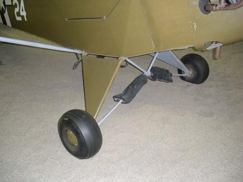 Piper L-4B Gafanhoto 3