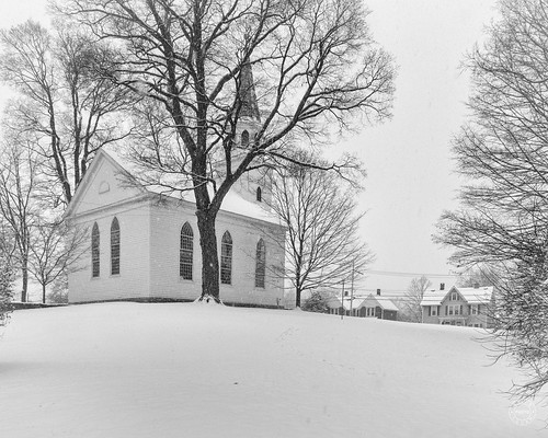oldschoolbaptistmeetinghouse bw church historical landscape winter warwick orangecounty landmark monochrome newyork outdoor hudsonvalley conditions meetinghouse snow unitedstates us