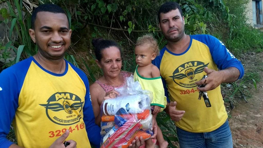 campanha de doação de alimentos dos motaxistas de itamaraju (11)