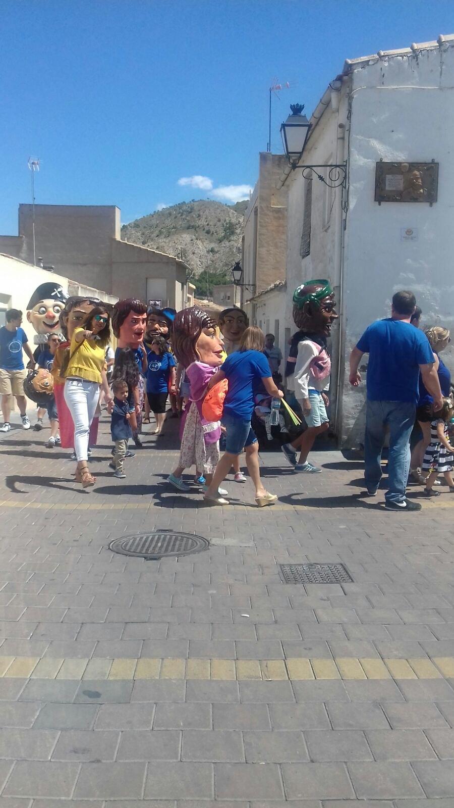 (2017-07-02) Pasacalle Gent de Nanos & Colla El Terròs -  Sergio Pérez (08)