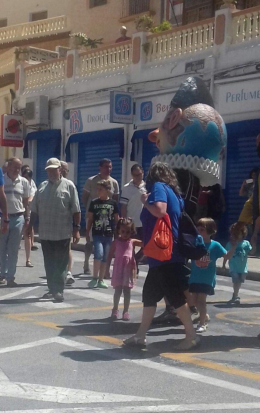 (2017-07-02) Pasacalle Gent de Nanos & Colla El Terròs -  Sergio Pérez (04)