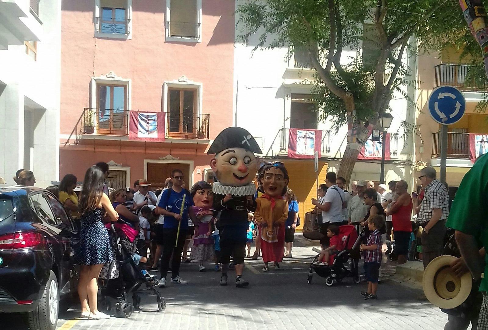 (2017-07-02) Pasacalle Gent de Nanos & Colla El Terròs -  Sergio Pérez (02)