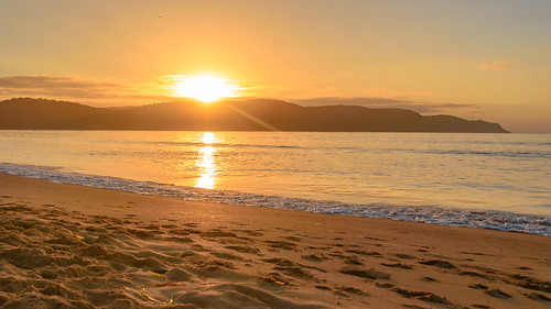 uminabeach sand landscape nature australia mountains nswcentralcoast newsouthwales sea earlymorning nsw beach centralcoastnsw umina photography morning oceanbeach waterscape seascape water sky outdoors