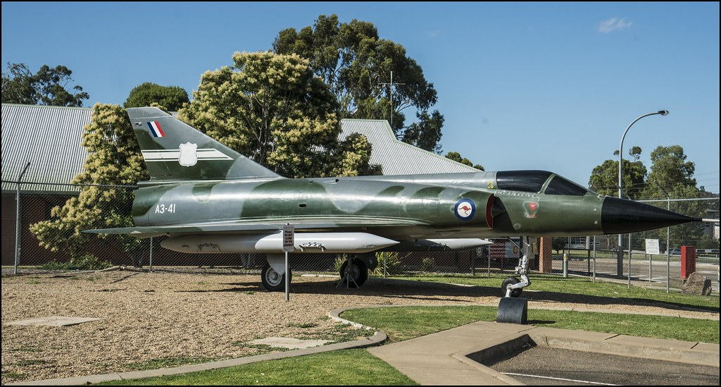 RAAF Mirage Fighter on display Wagga Wagga-2=