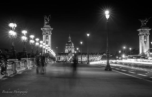 Sur le pont Alexandre III -Paris