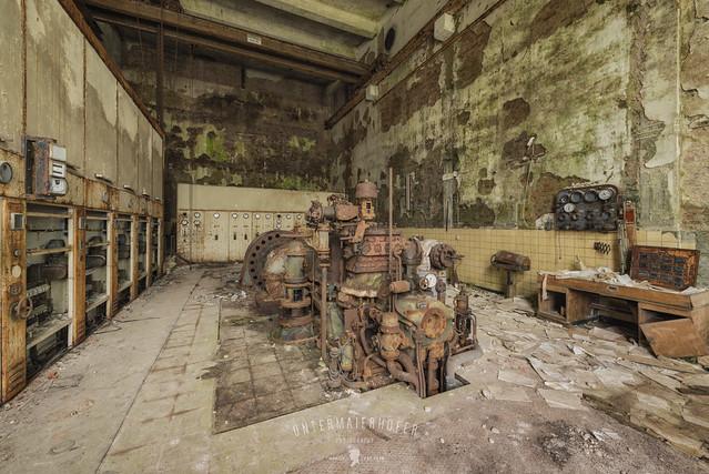 AEG generator hall