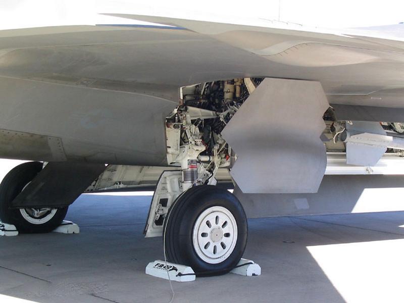 A Lockheed F-22 Raptor 14
