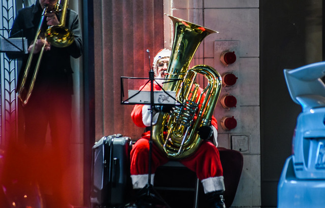 santa claus plays the tuba