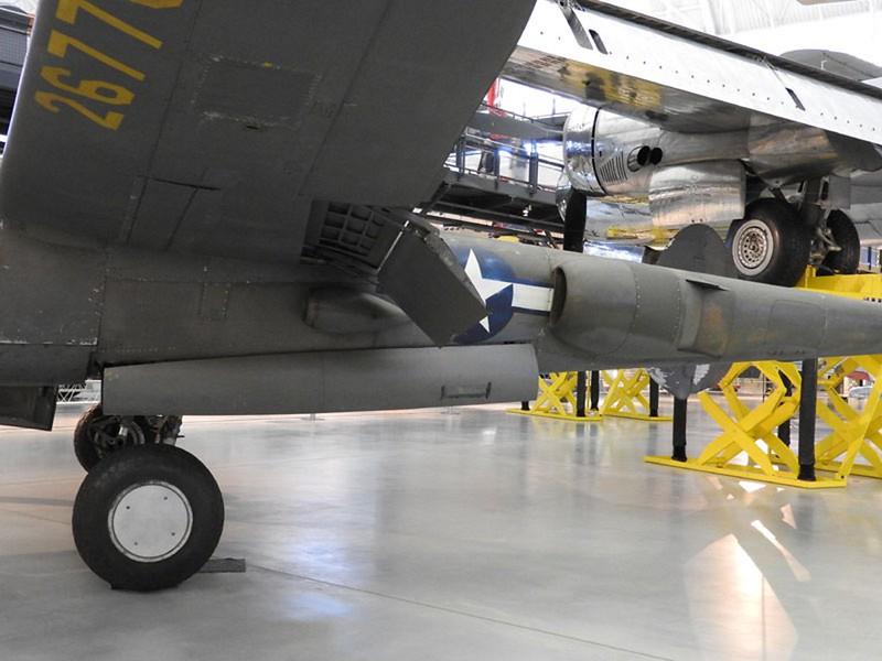 Lockheed P-38J-10-LO Strele 62