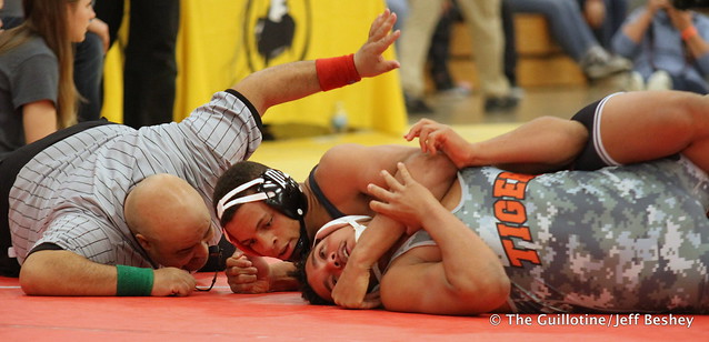 220 Semifinal - Daniel Kerkvliet (Simley) 16-0 won by fall over Isaiah Green (St. Cloud Tech) 10-3 (Fall 0:40) - 171216BJF0489