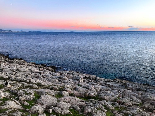coast ciel blue rocks water