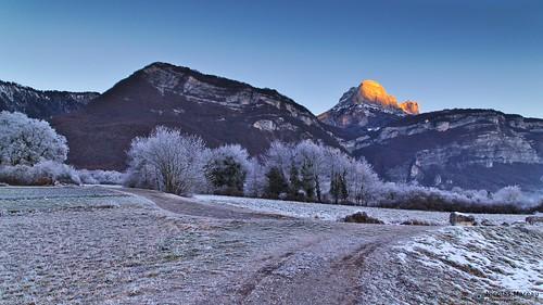 isère hiver grésivaudan darktable mountains montagne alpes crolles bernin sunrise winter cold