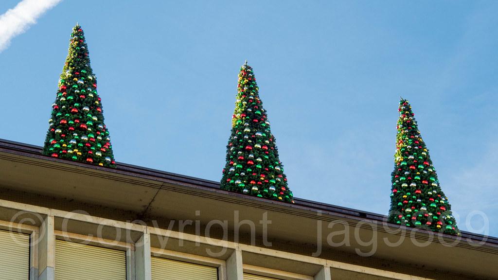 The Rooftop Christmas Tree.Ubs Rooftop Christmas Trees Paradeplatz 6 Zurich Switze