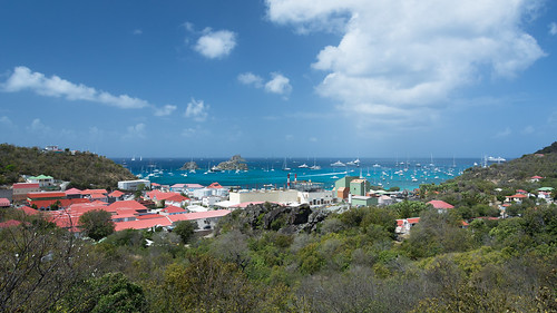stbarts stbarths island stbarthelemy stbarthélemy caribbean frenchcaribbean frenchwestindies tropical blue water aqua sky cloud puffy cumulus bright sunlight paradise bensenior vacation tourism tourist bay nikond7100 nikon d7100 boat land landscape seascape sea harbour rock rocks isle ile building buildings city town gustavia