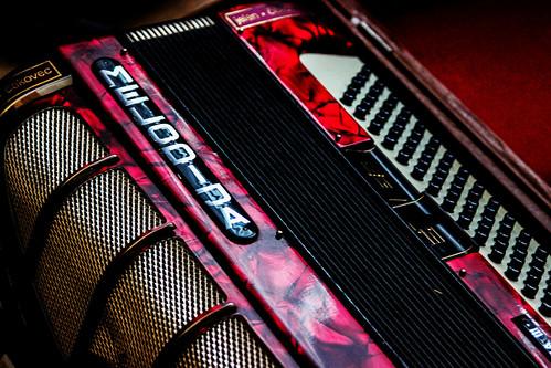 accordion photography canon music instrument instruments musicalinstruments red color canon600d closeup detail wallpaper colour vintage retro contrast melodija musician musicians grain