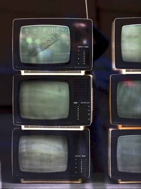 TESLA MERKUR TV
