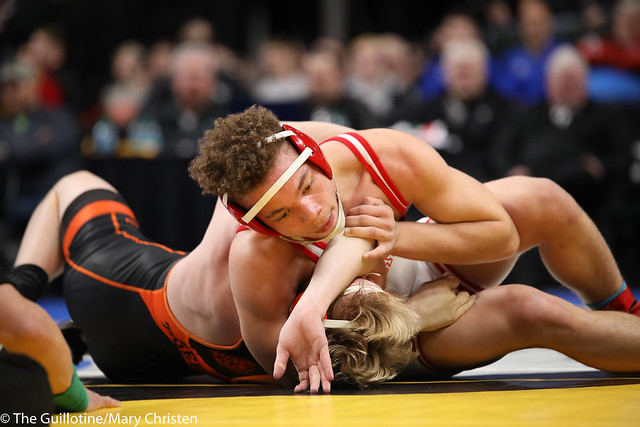 3rd Place Match - Fabyon Greer (Detroit Lakes) 33-9 won by decision over Tanner Kroells (Delano) 40-5 (Dec 8-3). 180303BMC5849