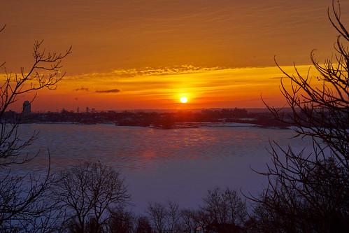 morning bay hamilton sunset sunrise sunlight minoltaaf35105mm a7ii
