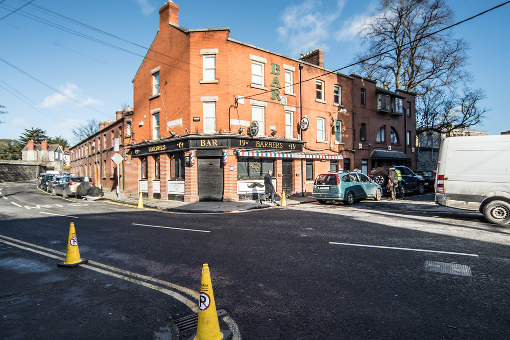 HOMELESS OUTSIDE A PUBLIC HOUSE IN GRANGEGORMAN [THE BARBERS PUB AND BARBER SHOP]-137299