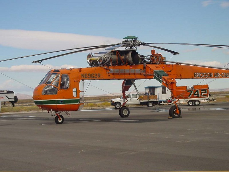 Sikorsky S-64E Skycrane 3