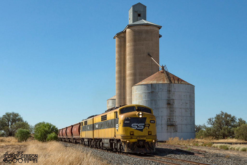 #7934V up SSR Grain with GM22 & GM10 from Warracknabeal as it passes Nullan siding by Corey Gibson