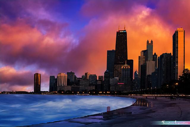 Lake Michigan at Magic Hour, Chicago *A Popular Landmark*