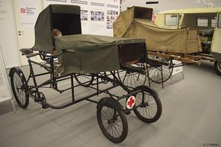 1899 Räderbahre Handmarie u. 1900-20 Veloziped Patiententransport