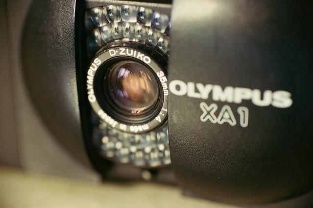 OLYMPUS XA1 - Explore