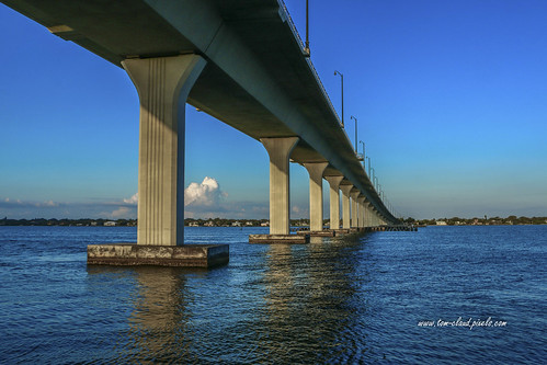 bridge causeway stuartcauseway water river indianriver bluesky stuart florida usa architecture civilengineering perspective
