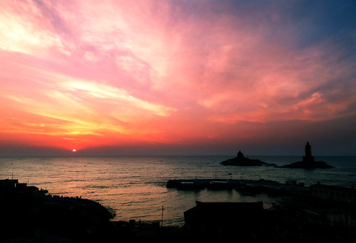 cloudscape clouds sea indianocean kanyakumari vivekananda sunset sky
