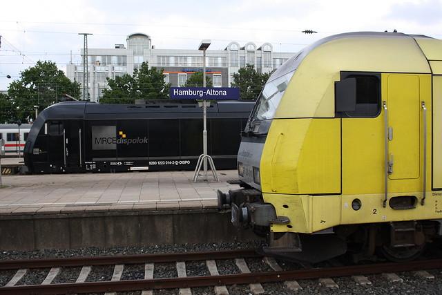 MRCE dispolok: ER 20-014 und ER 20-010 mit Wendezügen der NOB in Hamburg-Altona
