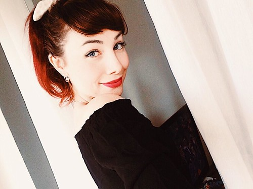 Audrey Hepburn Style by Sarina Rose