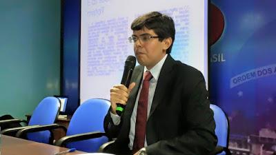 Justiça condena ex-prefeito e irmão a prisão, mas substitui pena por trabalho e multa, Érico pinheiro, juiz federal