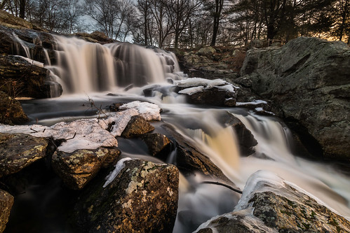 chapmanfalls connecticut devilshopyardstatepark eightmileriver nikon nikond5300 outdoor cold geotagged ice longexposure river rock rocks snow tree trees water waterfall winter easthaddam unitedstates