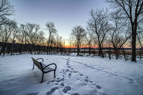 minnetonka minnesota mn kinsel park cold winter snow sky sunrise hdr glen lake canon eos 5ds 5dsr 14mm 24 rokinon trees bench orange red morning