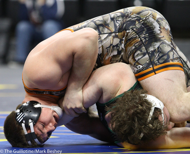 285A 1st Place Match - Craig Orlando (Bertha-Hewitt-Verndale-Parkers Prairie) 42-3 won by major decision over Tanner Tappe (Frazee) 28-6 (MD 12-2) - 180303cmk0453
