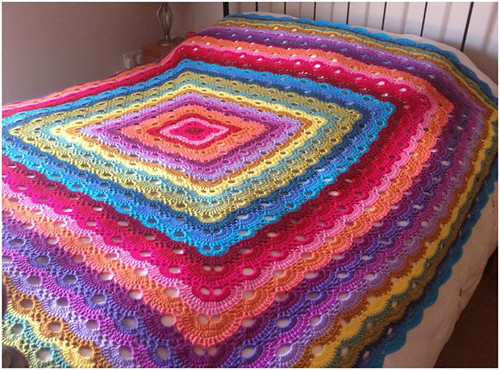 🙋‍♀️ 😍  I loved very delicate this crocheted quilt pattern very easy and easy step by step I loved this pattern